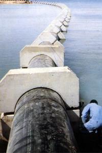 Трубопровод в море